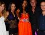 Foto di gruppo durante la serata inaugurale: Carolina Marconi, la madre Soraya, Paolo Berlusconi, Roberta Corongiu, Nicole Berlusconi e Santi