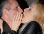 Silvia Rocca bacia un amico