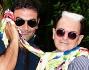 Max Giusti e Cristiano Malgioglio scherzano con i fotografi all'evento Charity del Bioparco