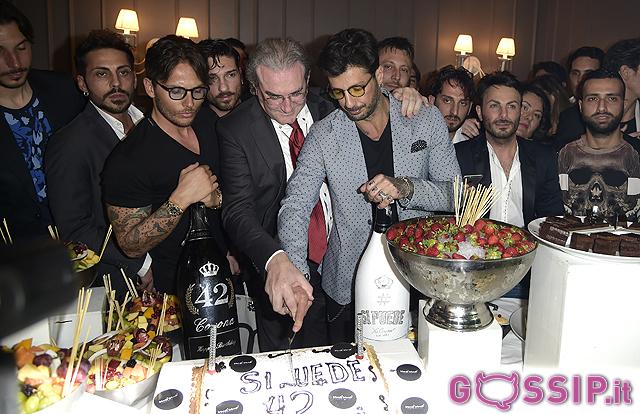 Il taglio della torta: Fabrizio Corona