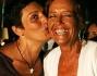 imma battaglia bacia annamaria bernardini de pace insieme a gianmarco sandri, organizzatore gay village
