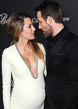 Blake Lively incinta agli Angel Ball 2014 con Ryan Reynolds: foto