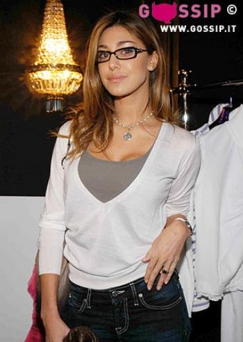 Melissa satta e sara tommasi alla presentazione di 39 star for Attrici con gli occhiali da vista