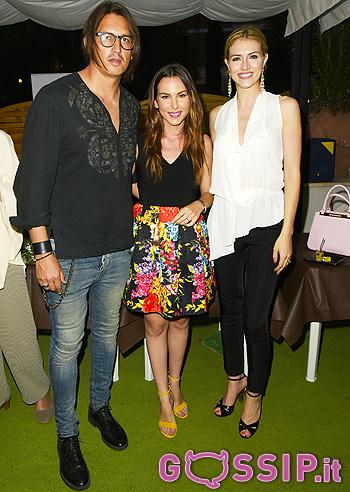 Micol Olivieri insieme agli amici Sofia Bruscoli e Marcelo Fuentes