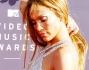 Jennifer Lopez ha incantato in un abito argento super sexy