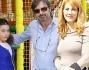Milena Miconi con il marito Mauro Graiani e la figlia