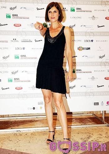 Claudia rossi and veronica da souza girls night out - 4 4