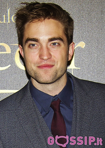 Robert Pattinson Gossip on Robert Pattinson E Kristen Stewart Abbracciati Sul Red Carpet Di