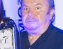 Lino Banfi premiato durante la serata da Maria Grazia Cucinotta
