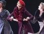 Rossella Brescia sul palco per la prima di 'Amarcord'