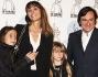 Benedetta Parodi e Fabio Caressa con le figlie per una serata all'insegna della musica e del ballo