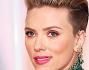 Scarlett Johansson protagonista sul tappeto con il suo nuovo look e la forma fisica la top dopo la gravidanza