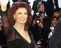 Sophia Loren ed il figlio Edoardo Ponti sul red carpet dell'ultima serata del Festival di Cannes