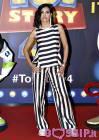 Caterina Balivo, look a righe per la prima romana di 'Toy Story 4'