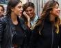 Shopping in Centro per Belen intenta a parlare al telefono insieme alla sorella Cecilia Rodriguez e l'amica Simona Miele