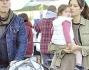 Bruce Willis ed Emma Heming a spasso al mercato felici con la figlia a Los Angeles