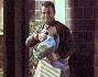 Antonio Cassano dopo la visita esce fuori con fiori e regali che hanno lasciato alla sua Carolina ed al piccolo Lionel