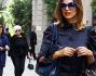 Look casual in blue per una bellissima Cristina Chiabotto che non perde il suo charme da Miss Italia