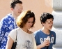 Chiara Giordano fa shopping insieme ai figli Alessandro e Francesco avuti dall'ex marito Raoul Bova