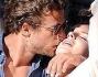 Coccole e baci hot alla luce del sole Francesco Carrozzini e Lana Del Rey