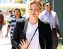Hilary Duff, look bianco e nero per un pranzo fuori a Los Angeles: foto
