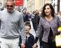 Emanuela Folliero e Giuseppe Oriccio con Andrea  tra risate e sorrisi, si sono avventurati in centro per quattro passi