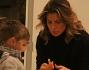 Tra i fan di Claudia Galanti ci sono anche piccoli uomini in cerca di un autografo