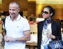 Giorgio Mastrota all\'uscita di Zara Home al centro di Milano insieme la fidanzata