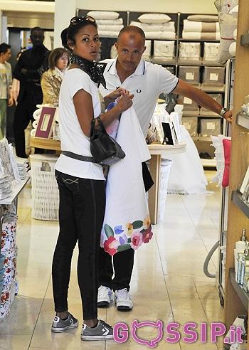 Shopping per la loro casa ecco giorgio mastrota con la fidanzata sudamericana foto e gossip - Shopping per la casa ...