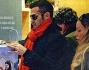 Gianni Sperti coccola le 'sue' donne: eccolo mentre acquista un gioco per la piccola Ginevra figlia di Karina Cascella