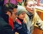 Karina Cascella paparazzata con la figlia Ginevra e l'amico Gianni Sperti