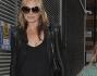 Kate Moss ha sfoggiato un look casual total black mentre la figlia Lila Grace in blue con camicia verde e scacchi