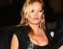 Kate Moss visibilmente alticcia ha partecipato al party per festeggiare i dieci anni della collezione Another Man della stilista Vivienne Westwood