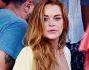 Lindsay Lohan avvista i paparazzi che la stanno spiando durante il soggiorno in Grecia