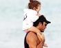 Lola Ponce e Aaron Diaz, genitori innamorati a Miami: le foto