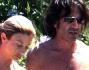 Maddalena Corvaglia e Stef Burns con la piccola Jamie Carlyn in Sardegna