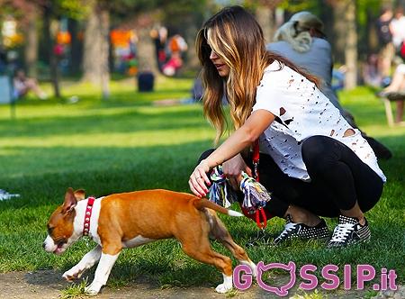Melissa satta ha portato il suo cucciolo nella zona verde - Parco di porta venezia ...