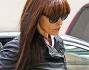 Monica Bellucci non passa inosservata ai paparazzi l'attrice che subito viene immortalata al suo arrivo in hotel