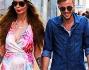 Nina Moric e Marco Sireci sorridono ma non si curano troppo della presenza dei paparazzi