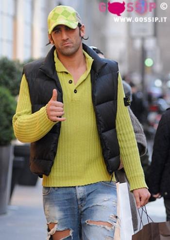 Moris Carrozzieri in giro per Milano - Foto e Gossip