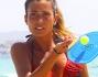 Federica Nargi si tiene in forma con il beach tennis ed i racchettoni alle Baleari