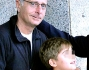 Paolo Bonolis con il figlio Davide all'aeroporto Leonardo Da Vinci di Roma