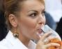 Francesca Pascale ha partecipato all'aperitivo romano di Piazza Farnese