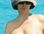 Patty Pravo fa il bagno in topless