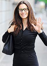 Marica Pellegrinelli forse incinta con Raffaella Maria a Milano: foto