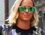 Casual ed occhiali verde specchiati rayban per la campionessa: Federica Pellegrini