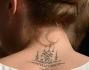 Il tatuaggio che Cara Delevingne non cela nemmeno durante la cerimonia