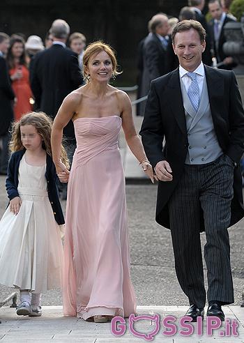 Delevingne damigella d'onore al matrimonio della sorella poppy: foto