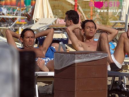 Filippo e simoen inzaghi prendono il sole foto e gossip - Bagno paparazzi milano marittima ...
