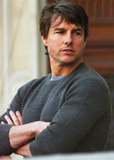 Tom Cruise spericolato sul set di 'Misson Impossible 5': foto